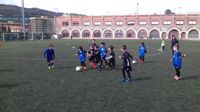 Campus de fútbol en Salesianos Deusto